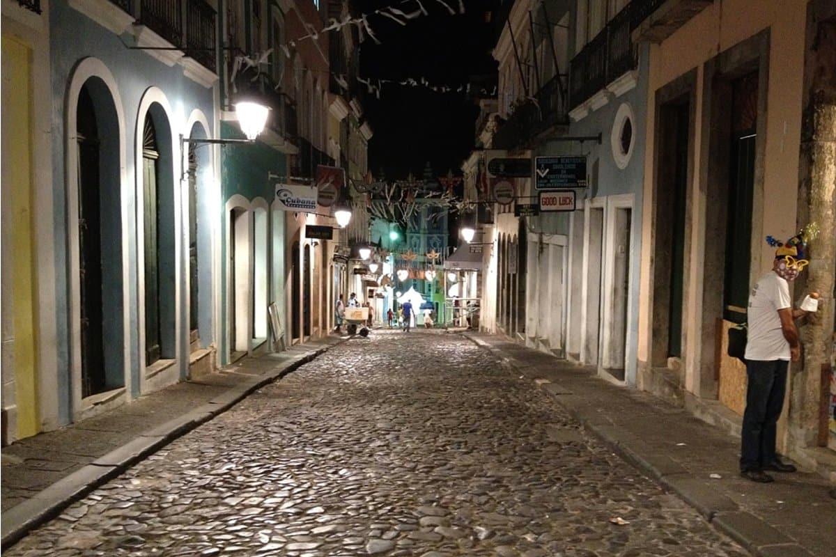 Nachts in Salvador da Bahia - Brasilien - Reiseblog Bravebird
