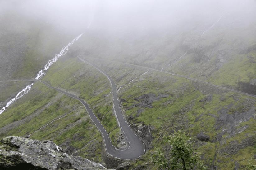 Norwegen Serpentinen