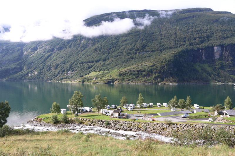 Geiranger Fjord Campingplatz Norwegen - Rundreise Roadtrip - Reiseblog Bravebird