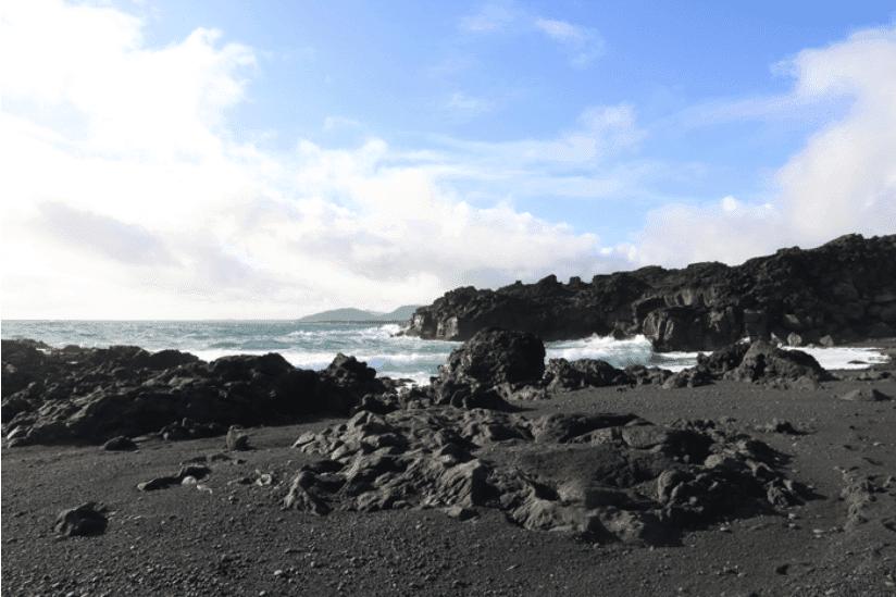 Island schwarzer Strand
