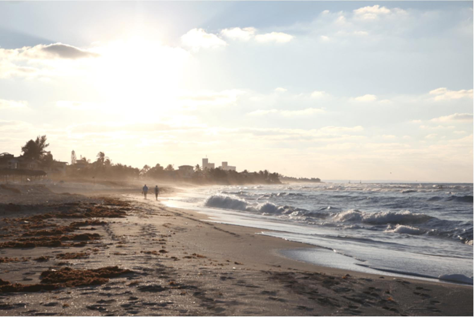 Kuba: Spaziergänge an wilden Stränden bei Sonnenuntergang