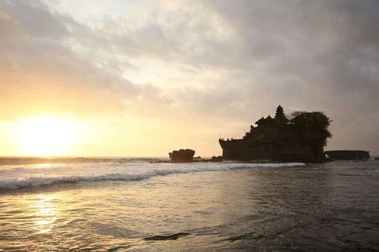 Bali Tempel bei Sonnenuntergang