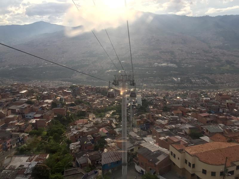 Kolumbien Tour - Blick über Medellin - Reiseblog Bravebird