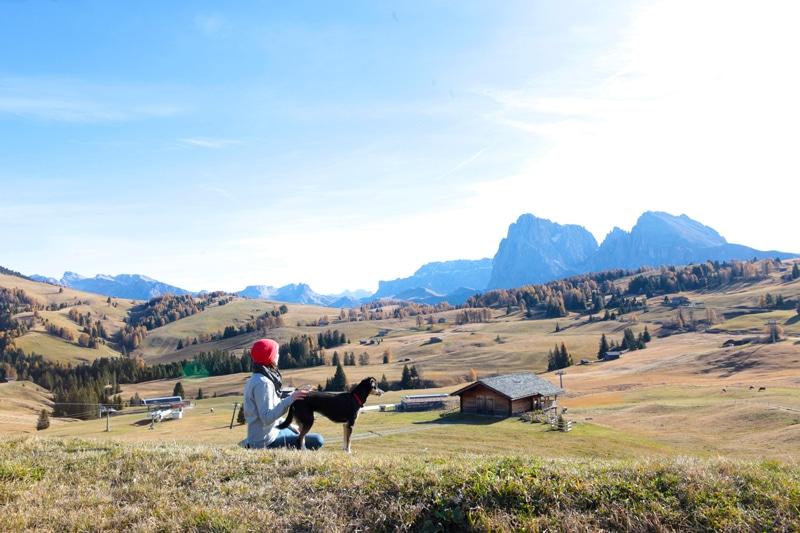 Seiser Alm Wanderung mit Hund - Südtirol Rundreise - Reiseblog Bravebird