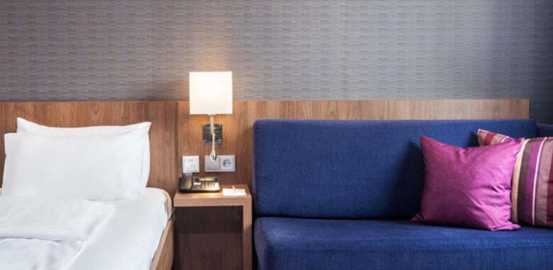 Holiday Inn Express Friedrichshafen - Zimmer - Reiseblog Bravebird