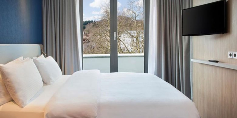 Hotel Holiday Inn Baden Baden Zimmer - Reiseblog Bravebird
