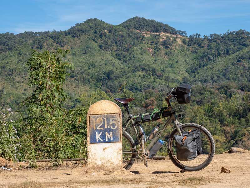Mit dem Fahrrad durch Myanmar - Carsten Grüttner von Bikeload - Reiseblog Bravebird