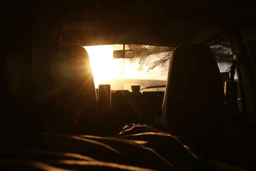 Norwegen Sonnenuntergang VW Camper